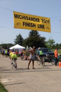 7-day riders crossing the finish line!